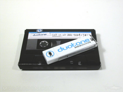 Small usb box made to look like cassette